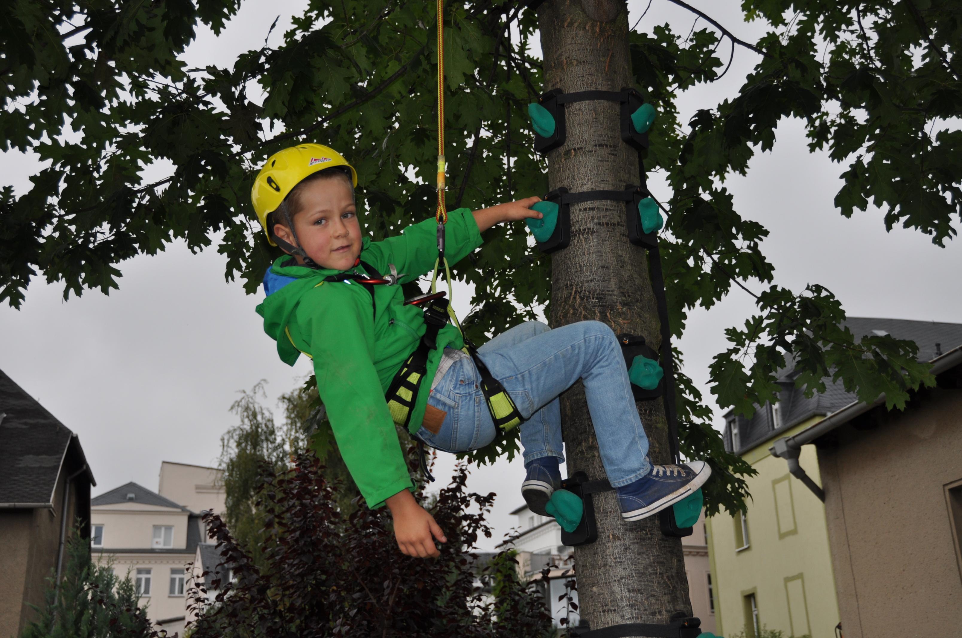 Klettergurt Für Kinder : Kinder klettern forst holz de